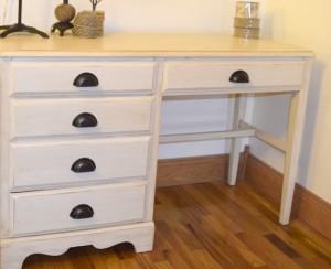 Cream and glaze Desk