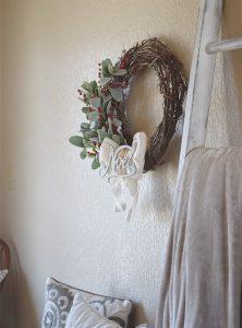 Farmhouse Holiday Wreath & Blog Hop | Timeless Creations, LLC