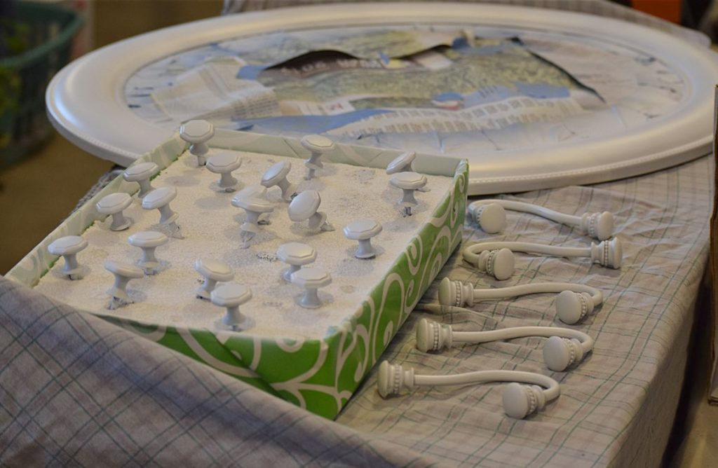 DIY Bathroom Shelf & Towel Hooks: $100 Room Challenge 9