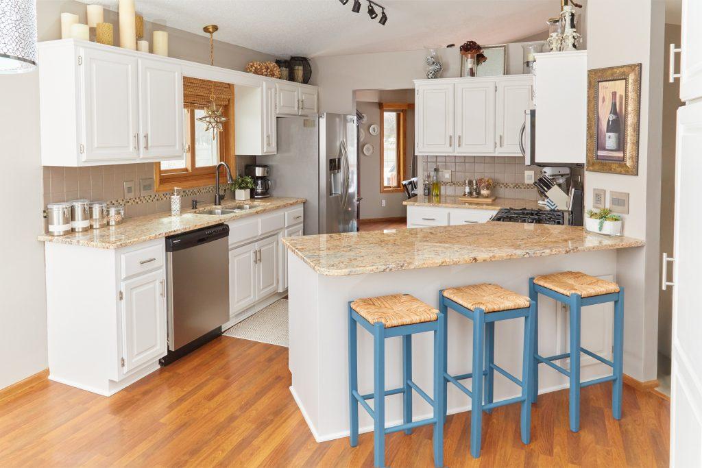 8 Inspiring DIY Kitchens 2