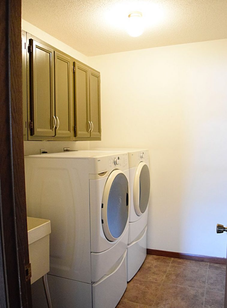 A Laundry Room Makeover - $100 Room Challenge 3