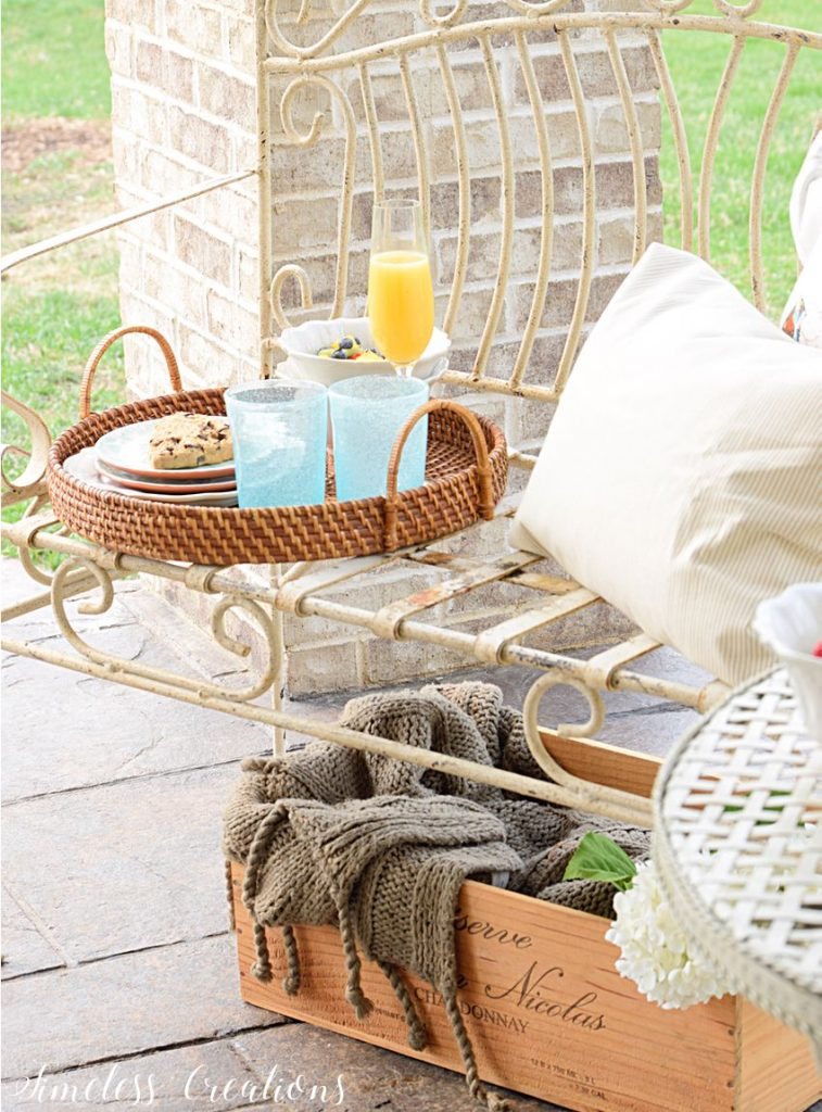 An Al Fresco Tablescape for those warm weather days