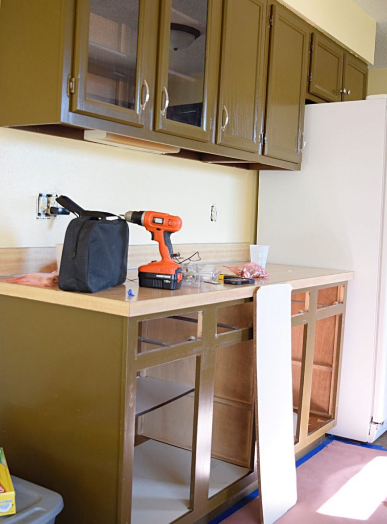Painting Our Kitchen Cabinets: ORC Week 2 4