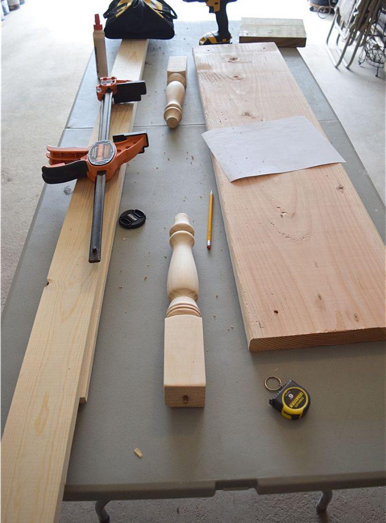 DIY Farmhouse Kitchen Bench 1