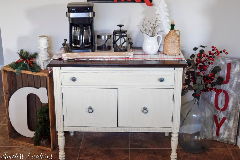 Christmas Coffee Bar - Decor Ideas for Every Season 4