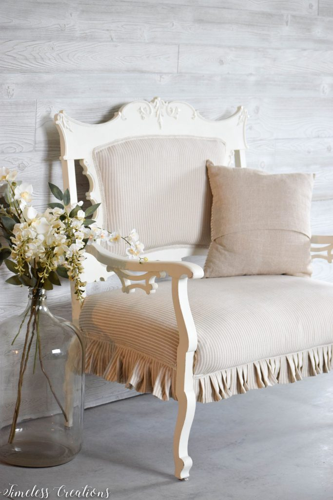 A Settee that Captured our Hearts! 5