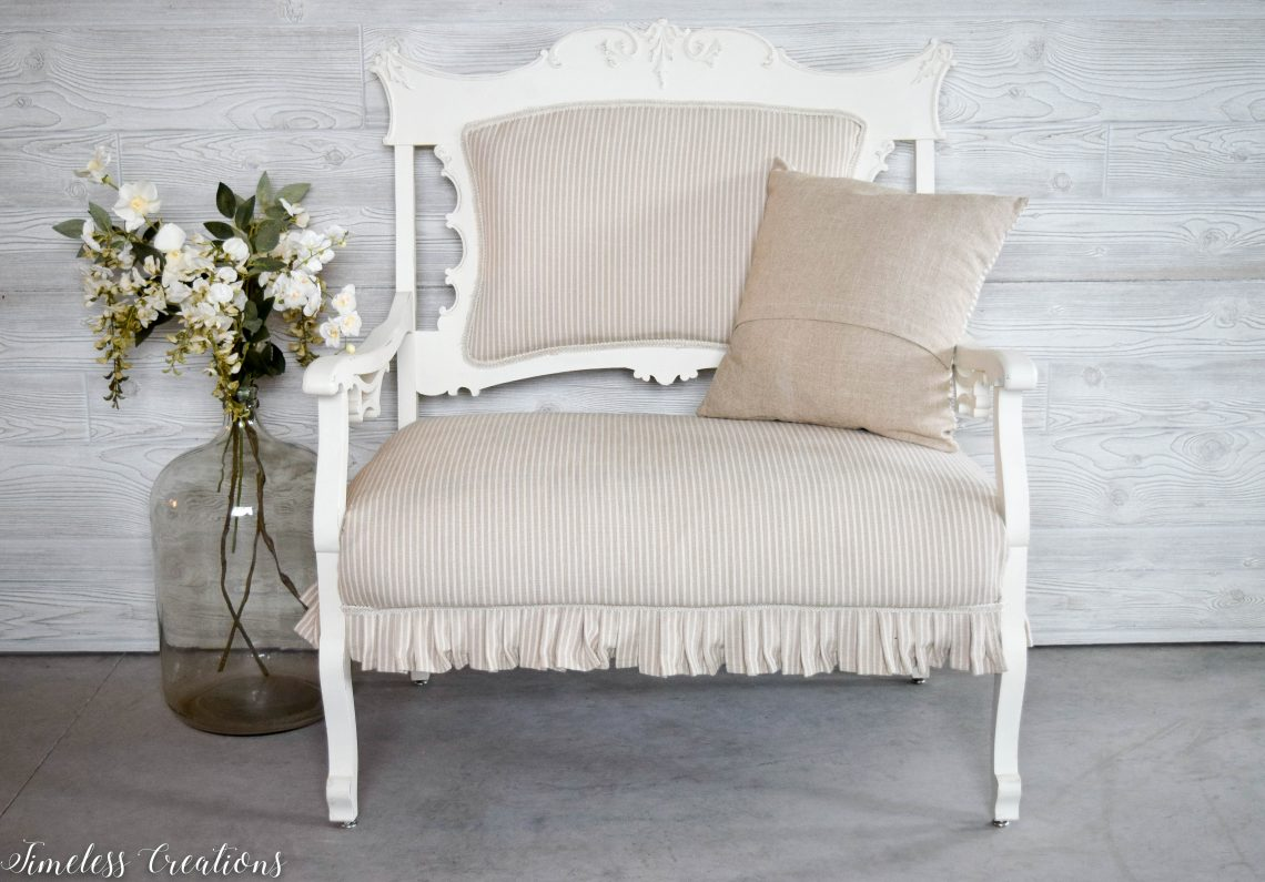 A Settee that Captured our Hearts! 1