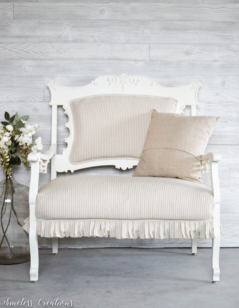 A Settee that Captured our Hearts! 12