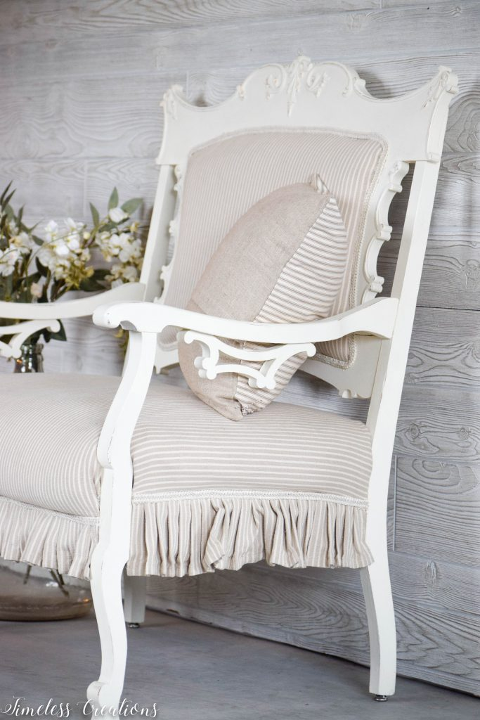 A Settee that Captured our Hearts! 9