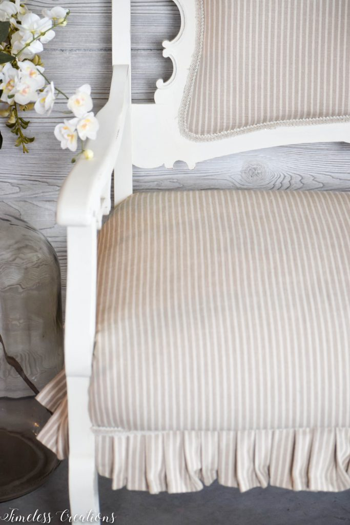 A Settee that Captured our Hearts! 10