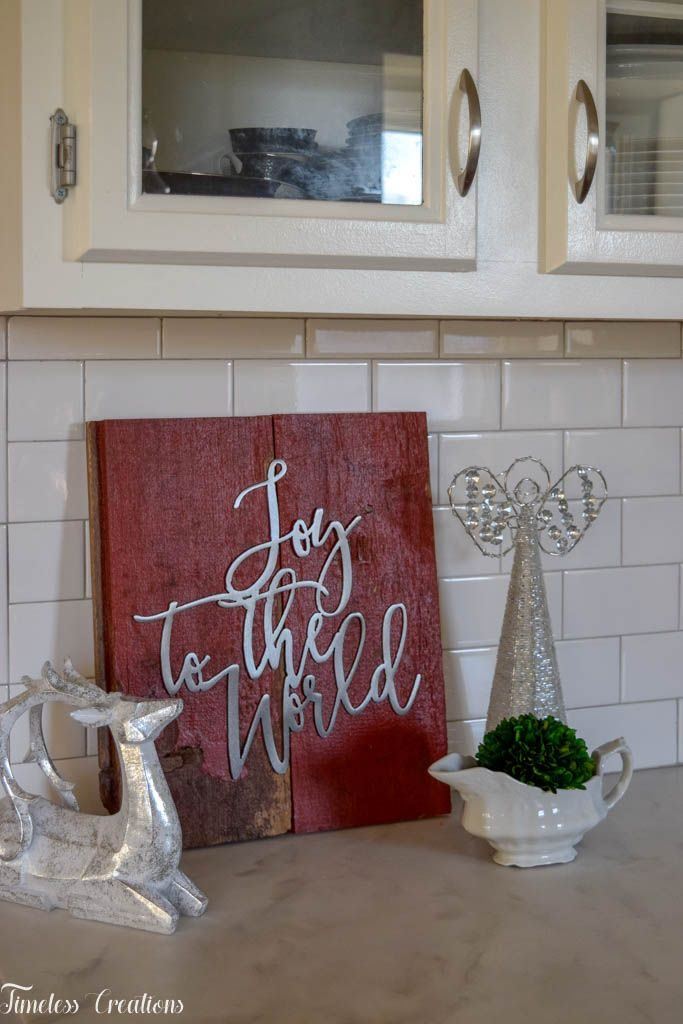 DIY Barnboard Christmas Sign - Deck the Home Blog Hop 7
