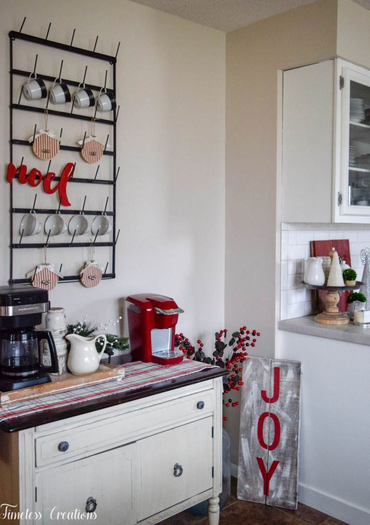 A Very Merry Christmas Kitchen 5