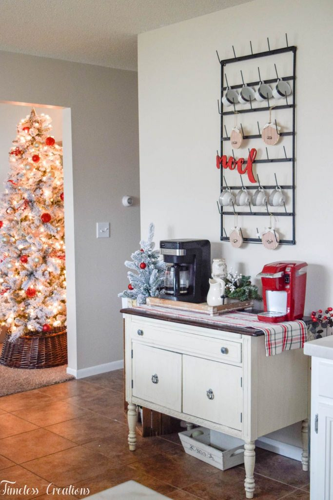 A Very Merry Christmas Kitchen 9