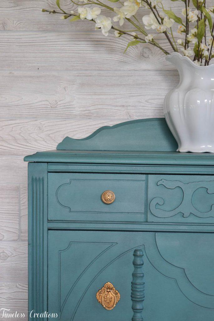 An Antique Vanity and Dresser Set 10