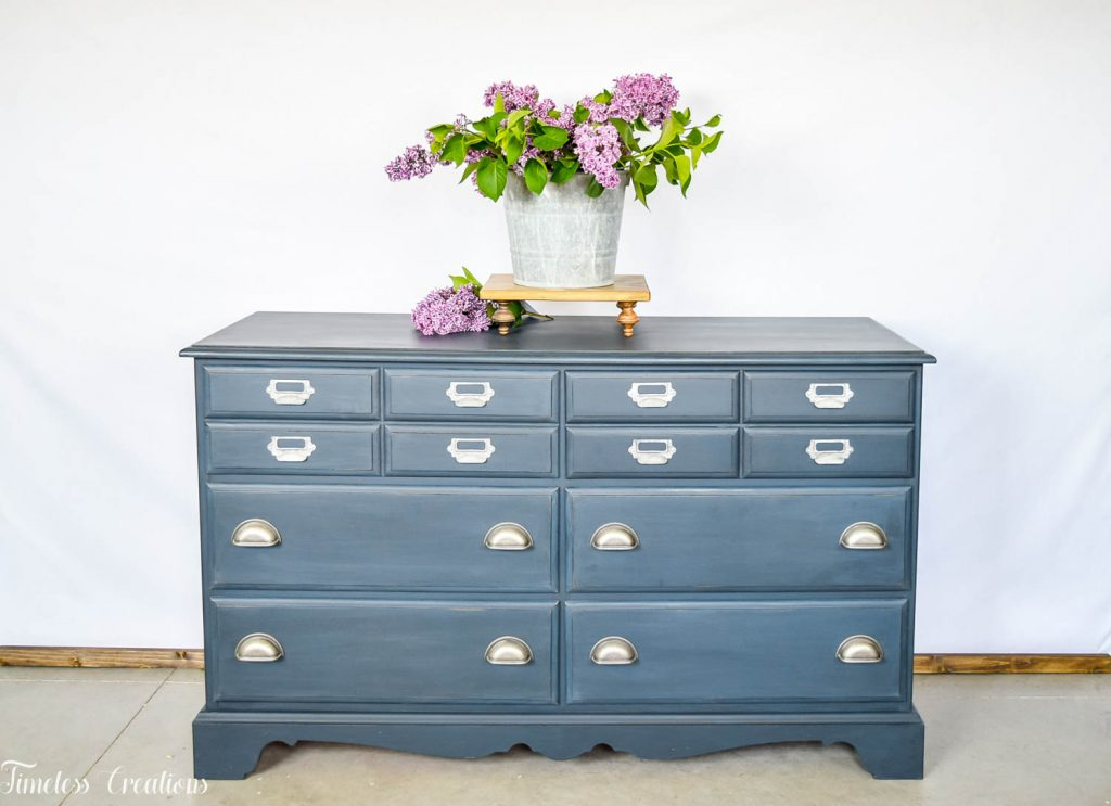 How to Stage your Farmhouse Style Furniture to Sell 5