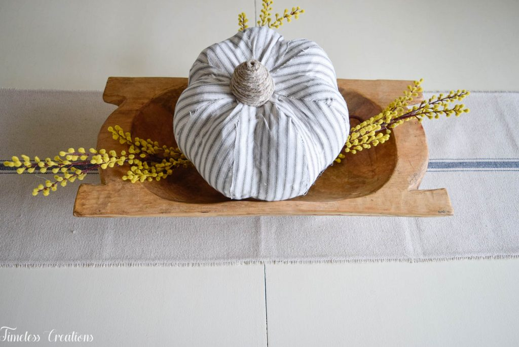 Simple Fall Centerpiece for Everyday Use 3