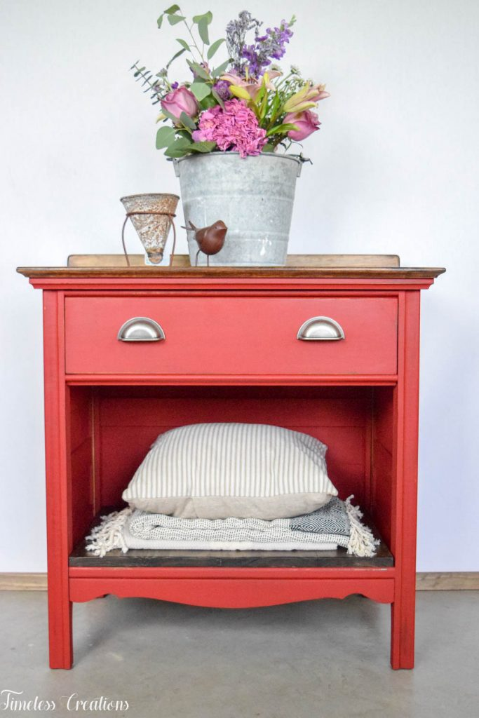 How to Stage your Farmhouse Style Furniture to Sell 10