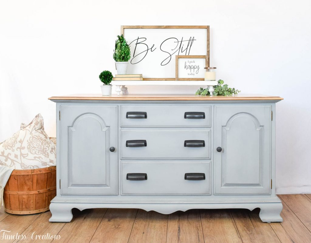 How to Stage your Farmhouse Style Furniture to Sell 7