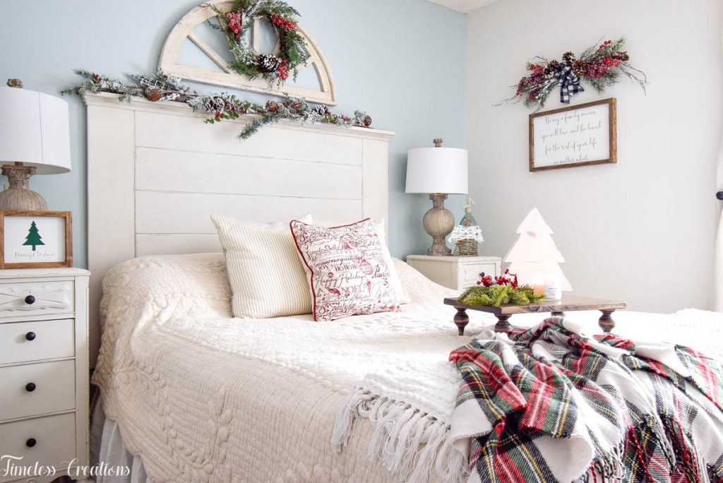 Christmas Decor in the Bedroom 9