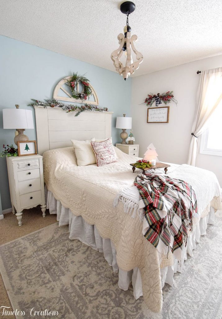 Christmas Decor in the Bedroom 10