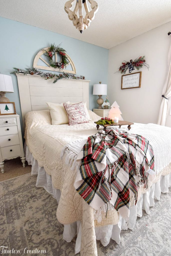 Christmas Decor in the Bedroom 1