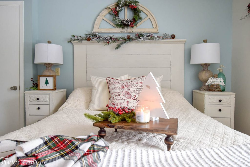 Christmas Decor in the Bedroom 7