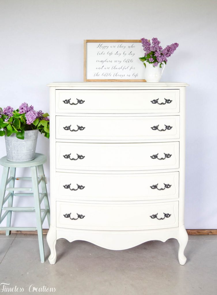 How to Stage your Farmhouse Style Furniture to Sell 1